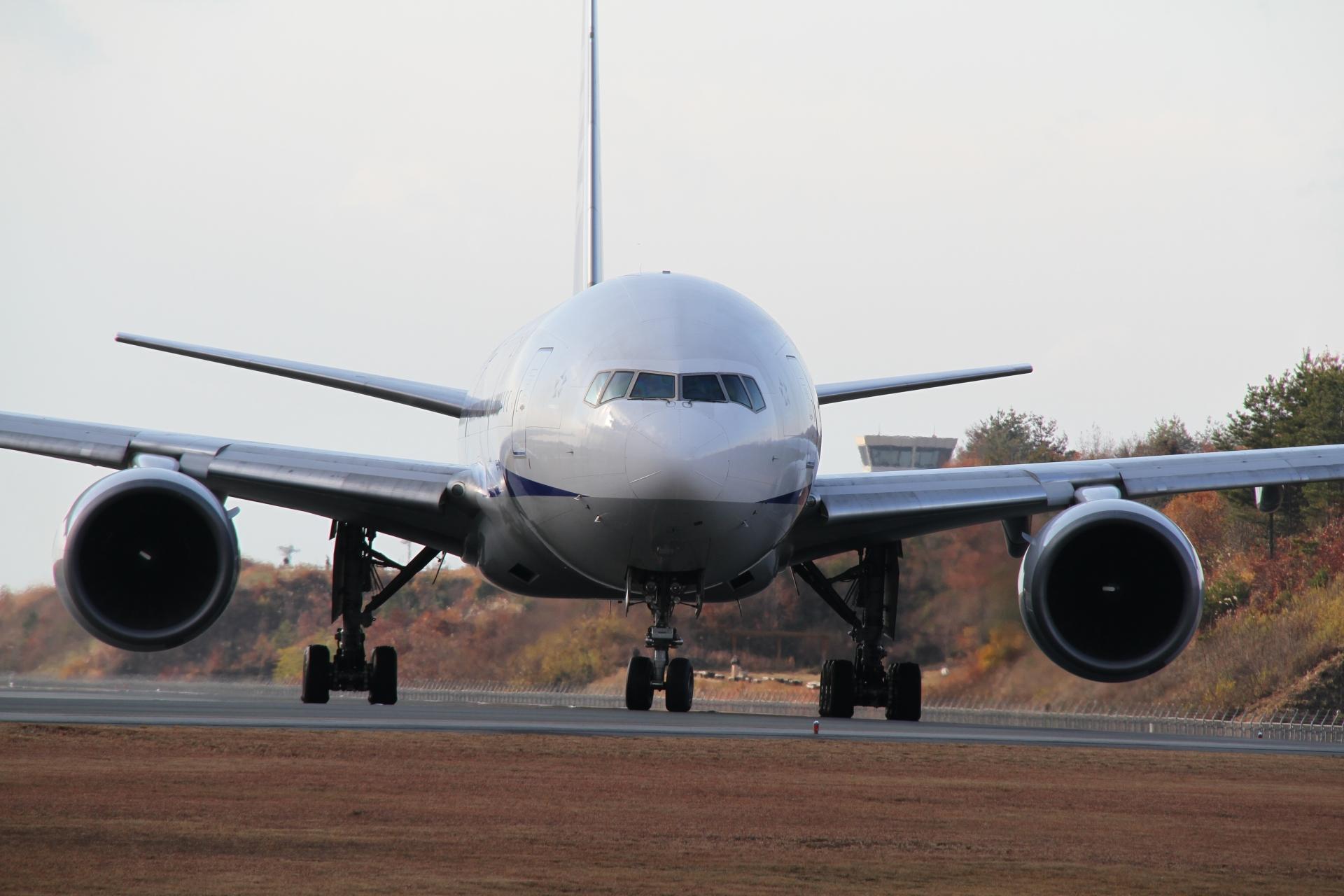 飛行機 正面