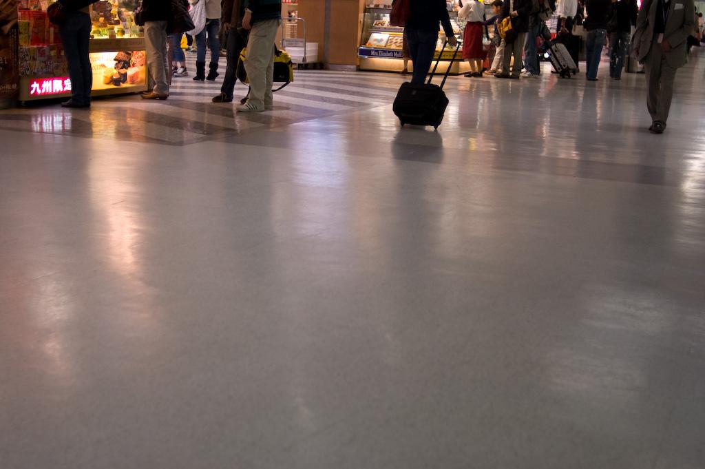 空港 ロビー