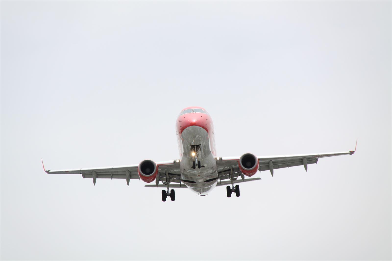 赤のFDAの飛行機