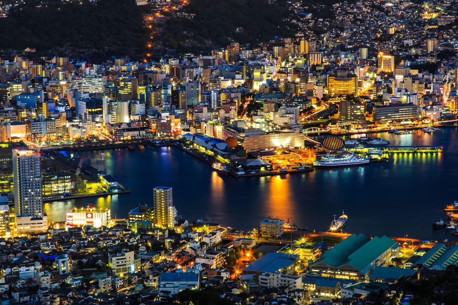 夜景のきれいな長崎の港