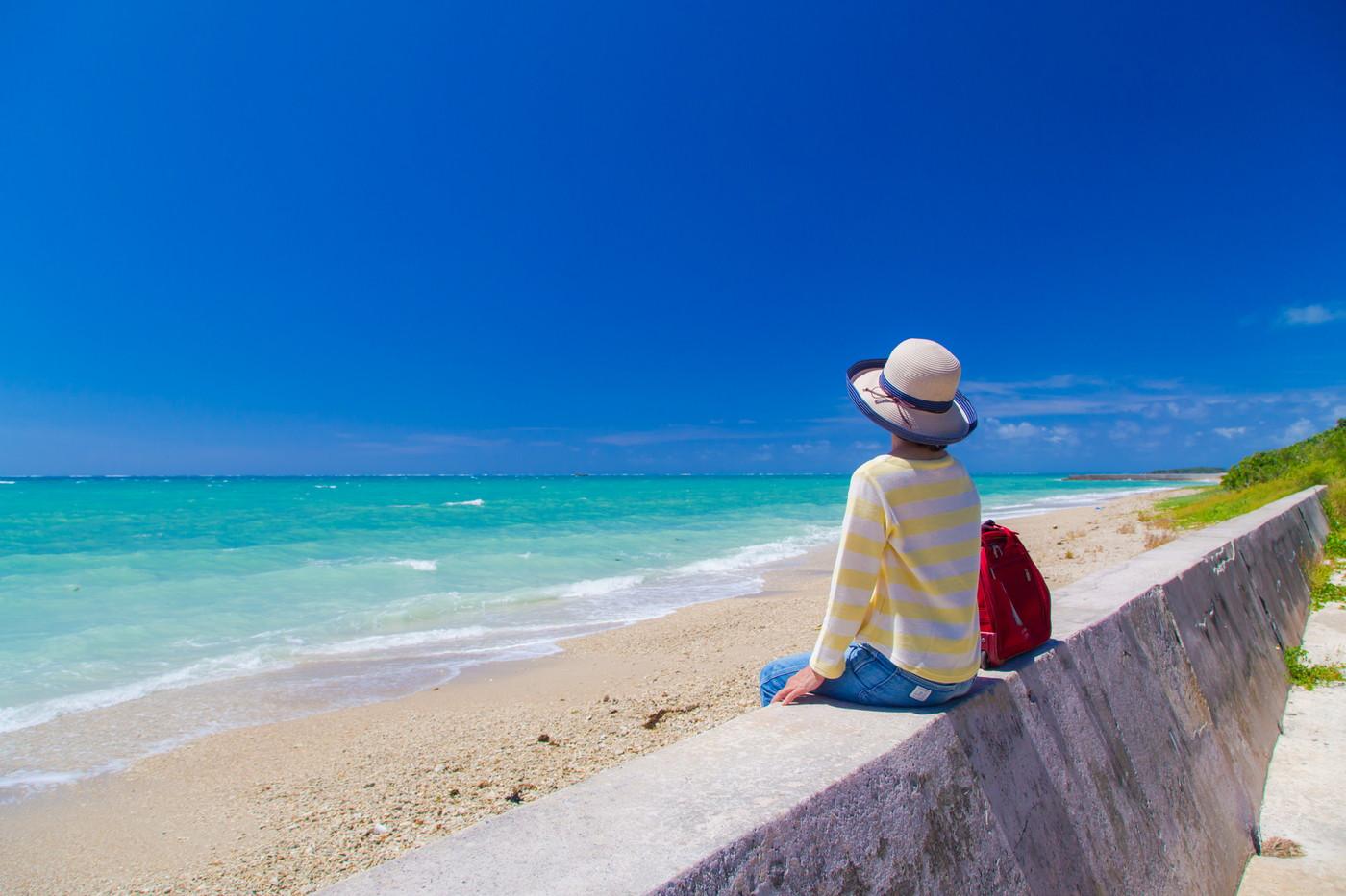 沖縄旅行の服装の画像