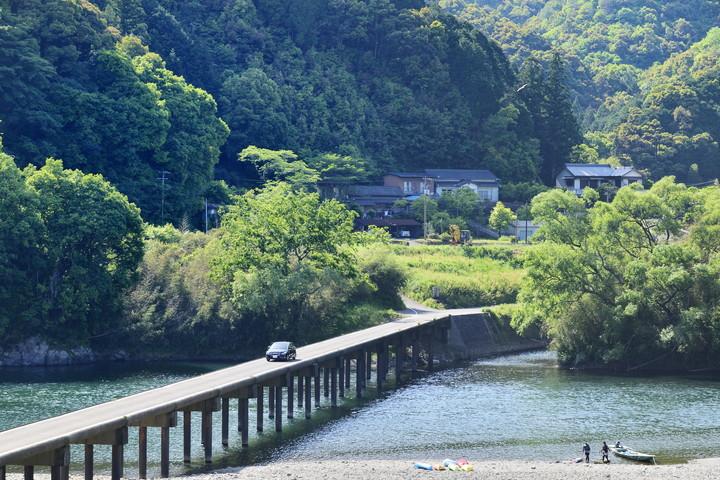 勝間沈下橋(高知県)