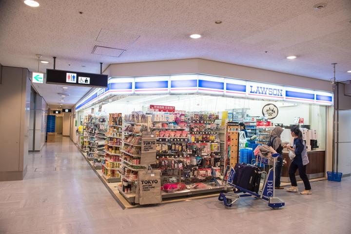 成田空港第1旅客ターミナルコンビニ2